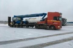transport-maszyn-na-lawecie-1