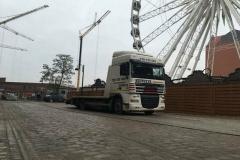 transport-maszyn-na-lawecie-2